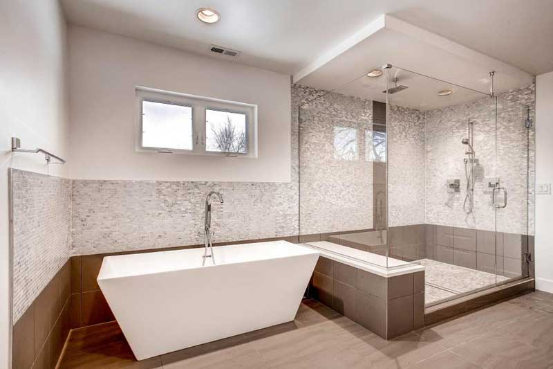 Bathroom with Sleek Gray and White Mosaic Tile