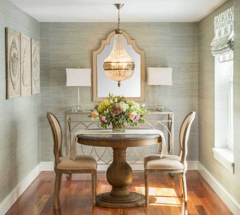 small dining room with crystal chandelier