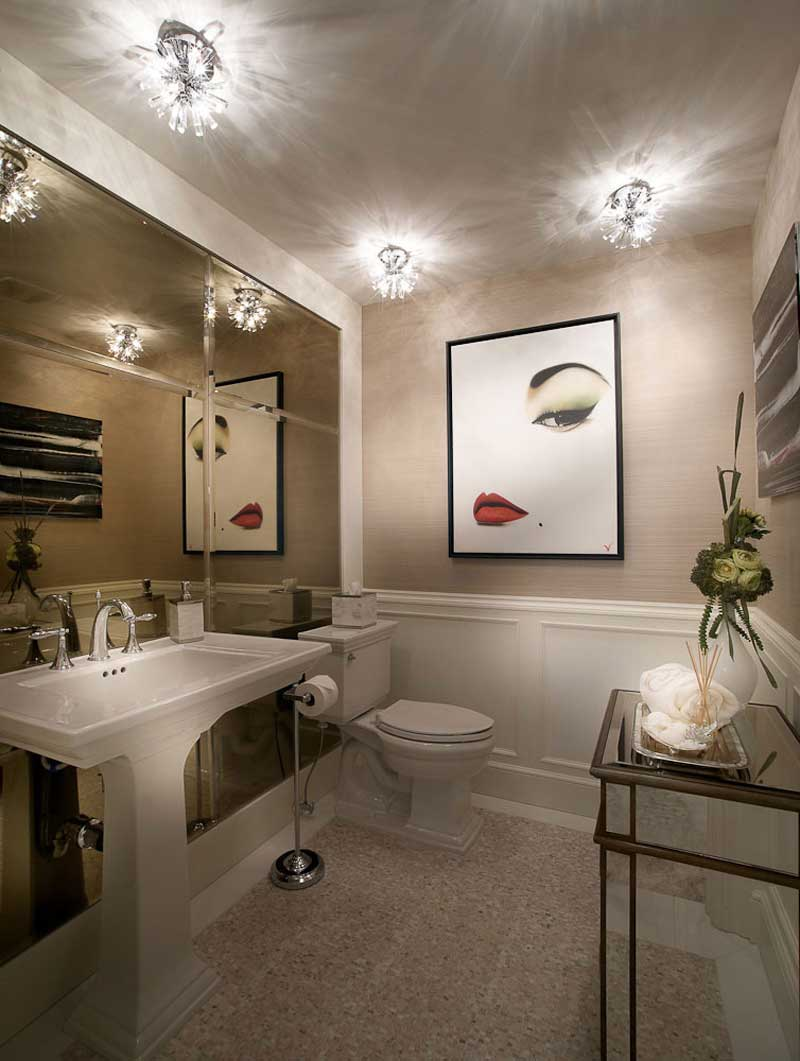 transitional bathroom with sputnik small pendant light