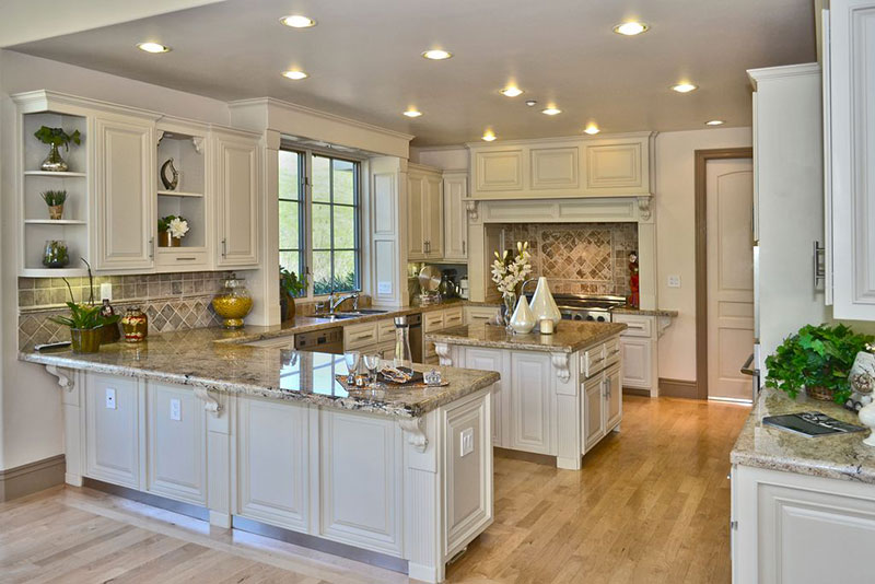 Cottage Kitchen With White Ice Granite