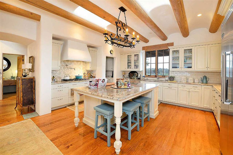 Country Kitchen With River White Granite