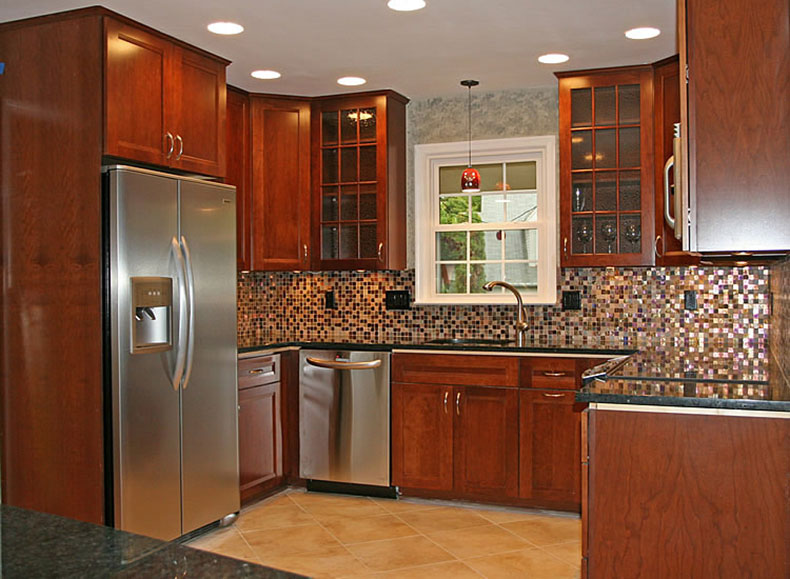 Marvelous Traditonal Kitchen With Uba Tuba Granite And Tile Backsplash