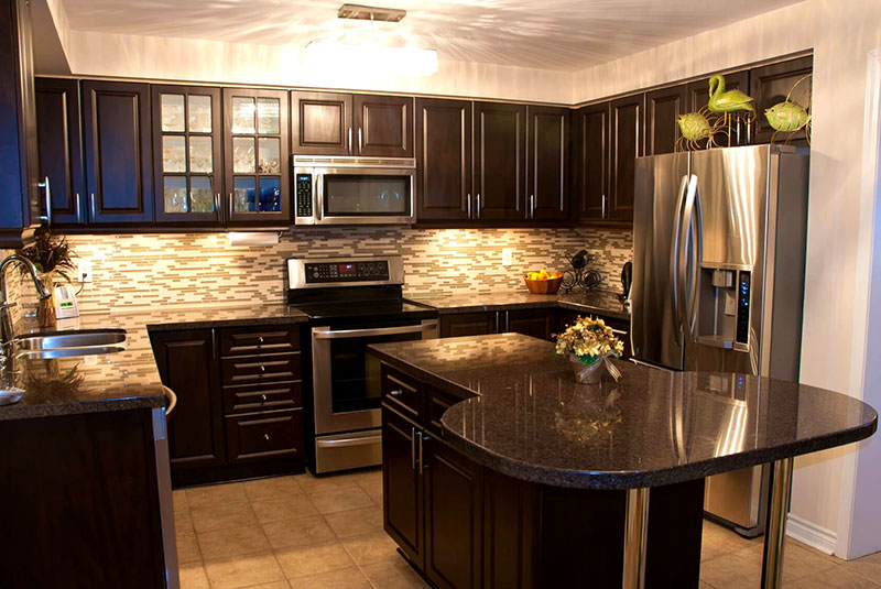 best black granite countertops pictures cost pros cons. Black Bedroom Furniture Sets. Home Design Ideas