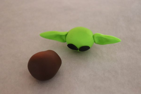 Polymer Clay Baby Yoda Craft Process
