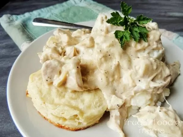 10 Thanksgiving Leftover Recipes   Home. Made. Interest. www.homemadeinterest.com Turn your Thanksgiving leftovers into a delicious meal for the family.