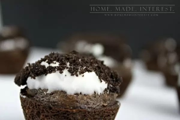Easy Chocolate Chip Oreo muffin recipe using a boxed mix. These muffins are awesome and they taste like doughnuts! They are a great classroom treat, brunch, snack or dessert!