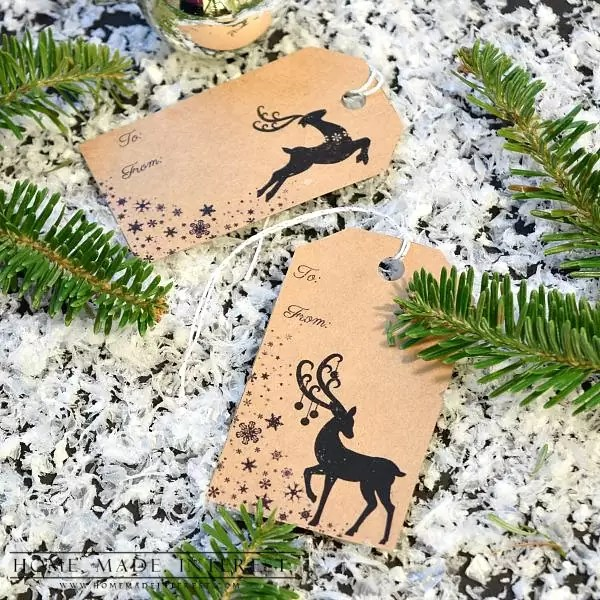 I have used deer in my Christmas decorations all year. I love them! So I made some free printable Christmas gift tags for you with reindeer. Print them on kraft paper or other colored scrapbook paper to complete your gift wrap this year.