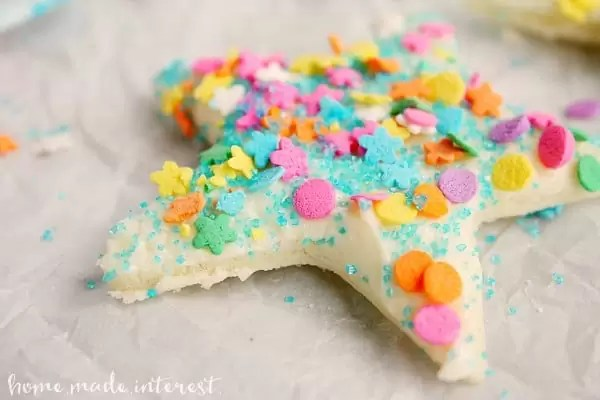 Fairy bread is great but Pixie bread is a little sassier. This is a fun recipe to use as a kid activity on a rainy day, or as a snack to go along with a Peter Pan or Tinkerbell movie!