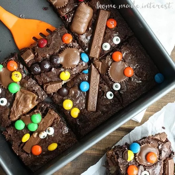 Turn Your Leftover Candy Into Witch's Brew Brownies