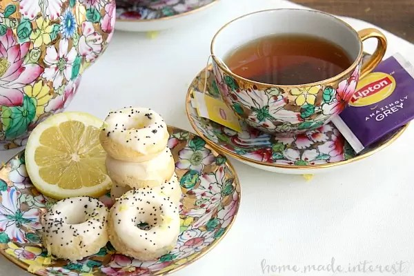 Enjoy a little quiet time with a cup of hot tea and this easy mini lemon poppyseed donuts recipe. It is so simple to make and would be a great brunch recipe for Easter or Mother's Day.