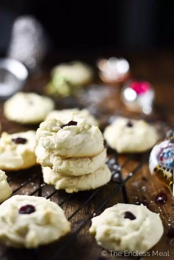12_melt-in-your-mouth-shortbread-cookies