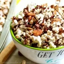 Mexican Chocolate Popcorn and Almonds | This sweet and crunchy Mexican Chocolate Popcorn and Almonds is a healthy snack that is easy to make. A blend of spices and chocolate gives this Mexican Chocolate Popcorn and Almonds a sweet flavor with a little bit of a kick and the light popcorn and almonds are healthy snack foods that taste great!