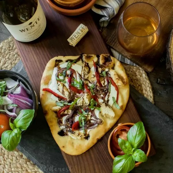 Balsamic Glazed Chicken Pizza | This easy naan pizza is fresh and light. It makes a great lunch recipe. Balsamic Glazed Chicken Pizza recipe is an easy pizza recipe with fresh ingredients. It's an easy weeknight dinner and is a single serving pizza recipe that the entire family will enjoy.