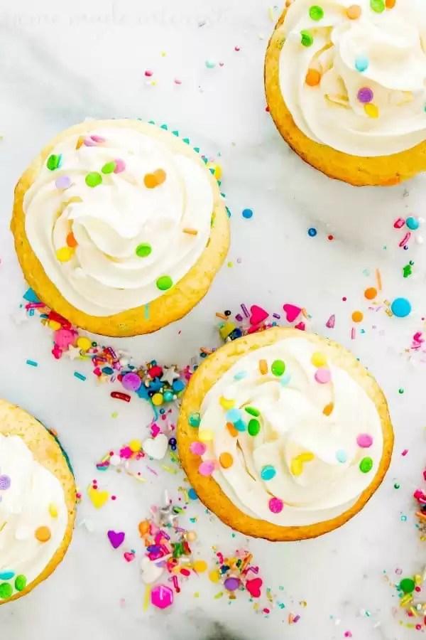 vanilla frosted funfetti cupcakes