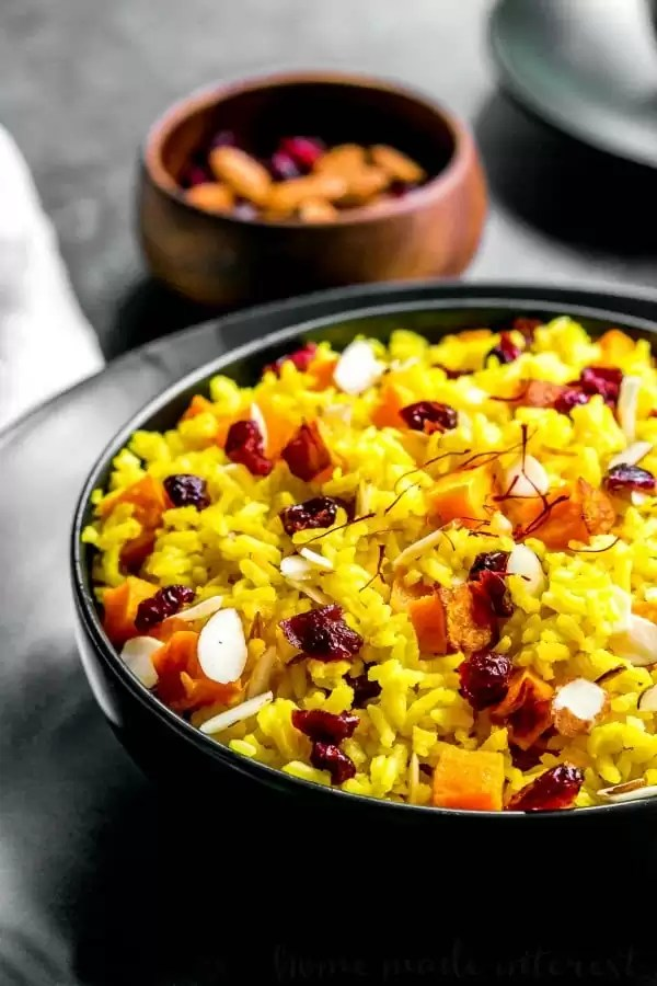 saffron rice with almonds