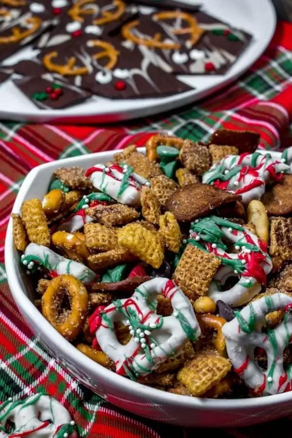 cinnamon and sugar Christmas chex mix
