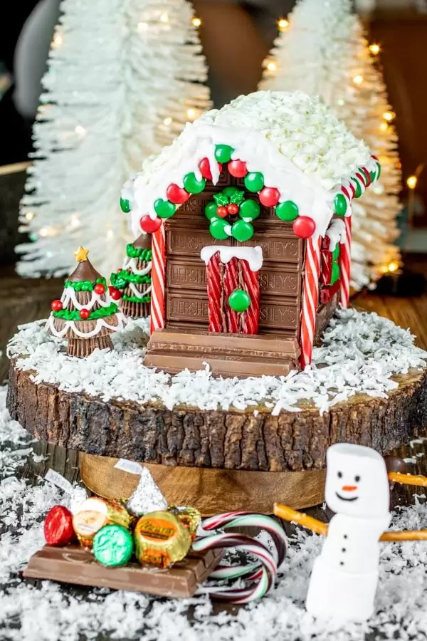 No bake Holiday Candy Cabin