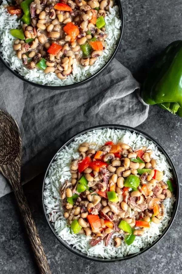 black bowls of Instant Pot Hoppin' John