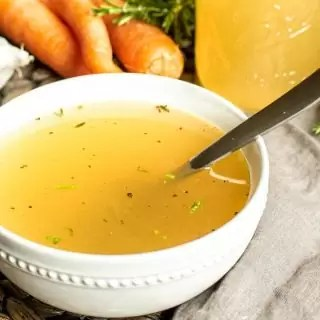 how to make chicken bone broth that is homemade