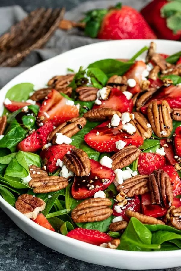 Strawberry & Spinach Salad with pecans
