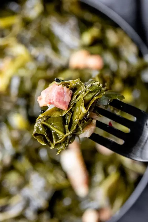 tender Instant Pot Turnip Greens made with bacon packed full of flavor