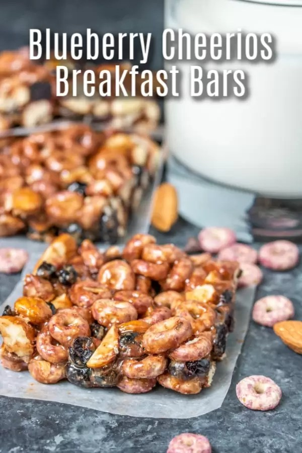 This easy breakfast bars recipe is a delicious start to your day. Blueberry Cheerios Breakfast Bars are made with cereal, dried blueberries, almond butter, chocolate chips, and honey. It's a delicious gluten-free, no bake breakfast or snack for kids and adults. AD #breakfast #cereal #blueberries #nobake #homemadeinterest