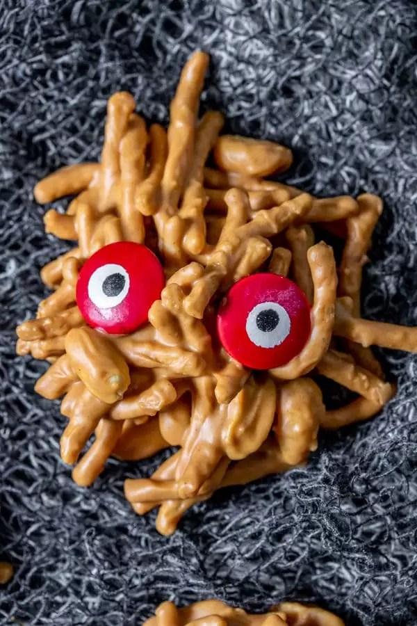 No Bake Monster Cookies perfect kids halloween cookies