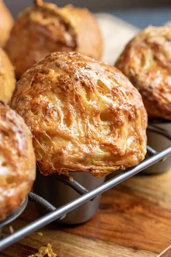 how to make Gruyere Popovers in popover pan