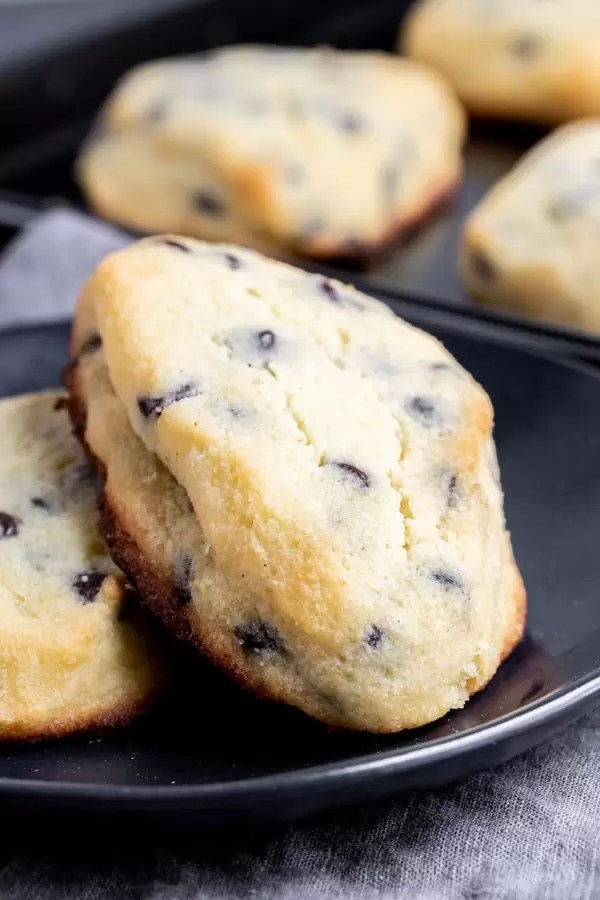 make ahead Keto Chocolate Chip Scones