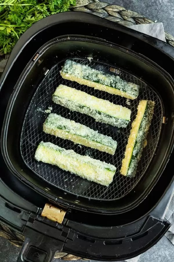 directions to make Air Fryer Zucchini