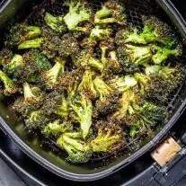 how to make crispy Air Fryer Broccoli
