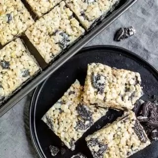 pan and plate with Oreo Rice Krispies Treats