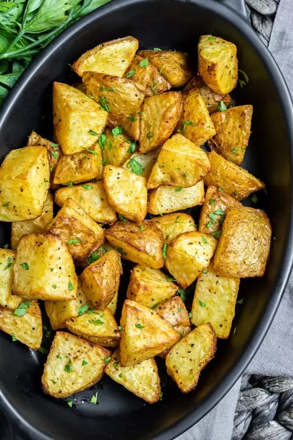 platter of Crispy Air Fryer Potatoes