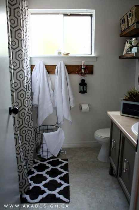 vintage mini makeover of bathroom