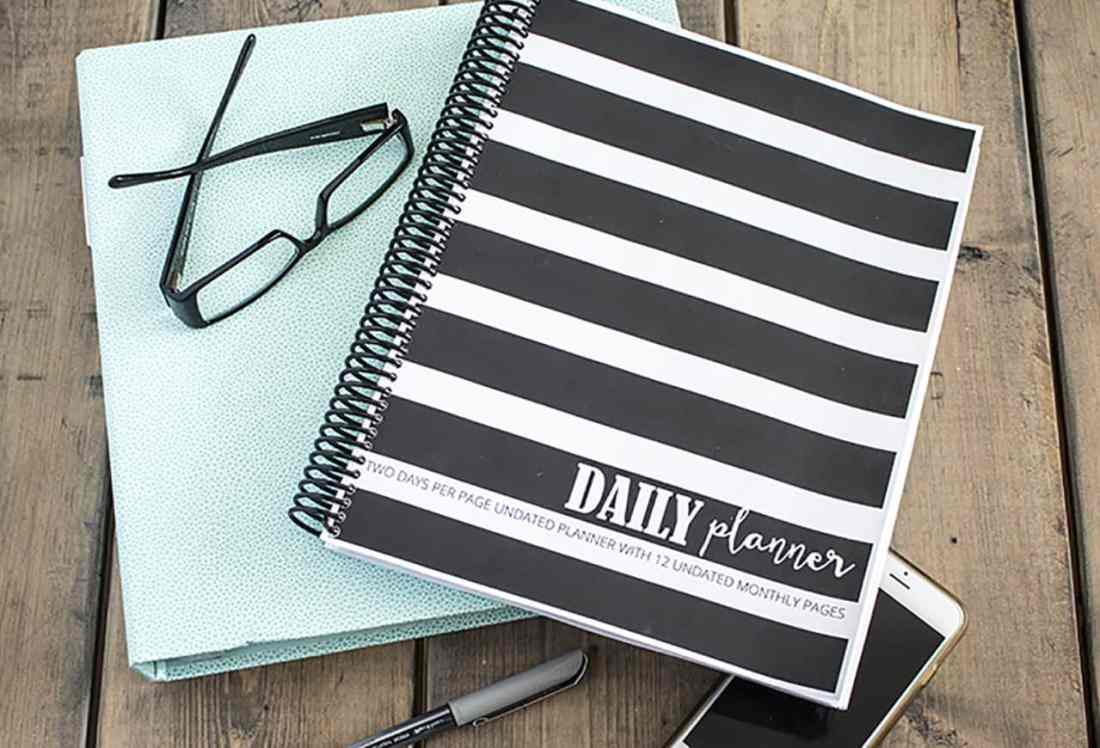 daily planner cover and binder