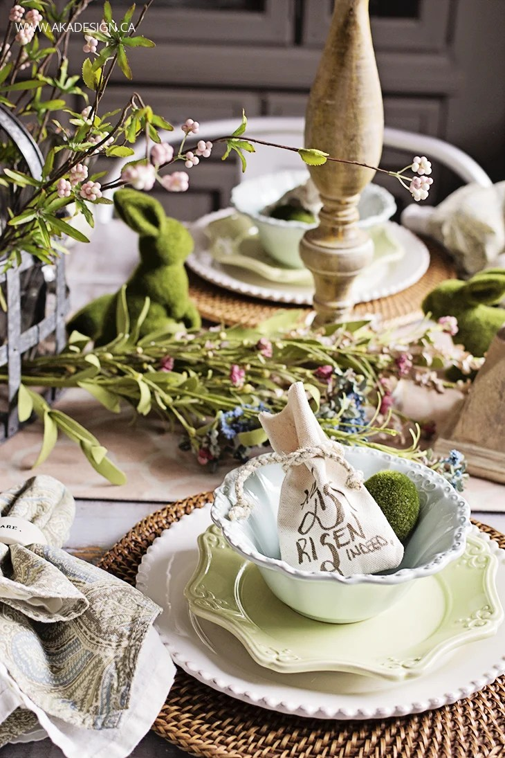 Natural Easter Table Setting | www.akadesign.ca