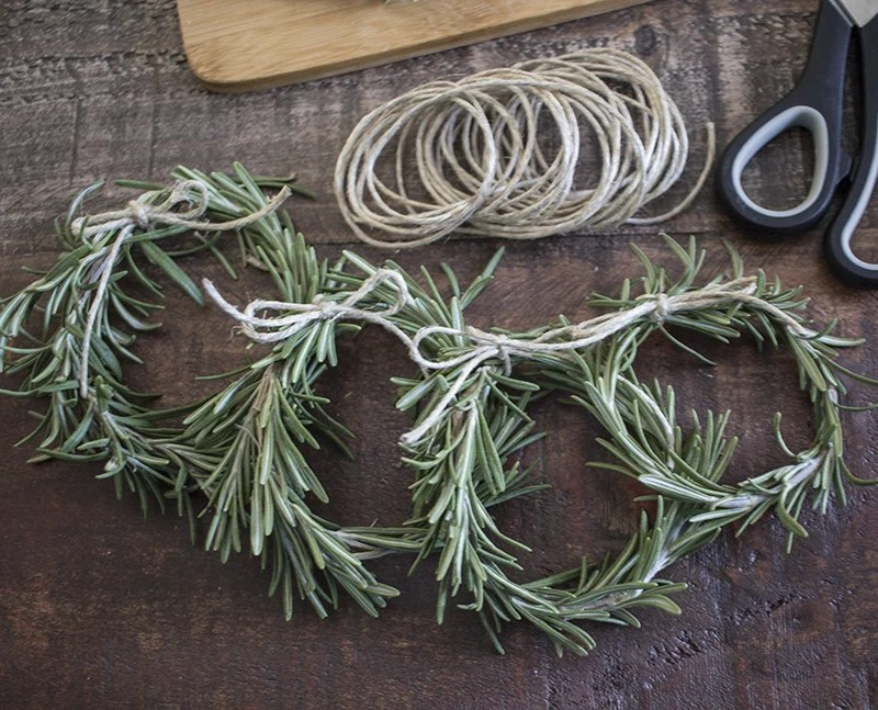 Home Made Lovely Rosemary Wreath Place Cards BLOG PIC