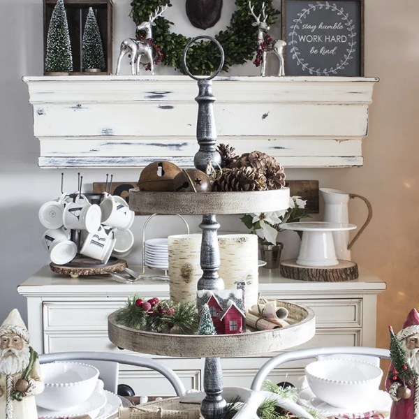 rustic christmas centerpiece and mantel