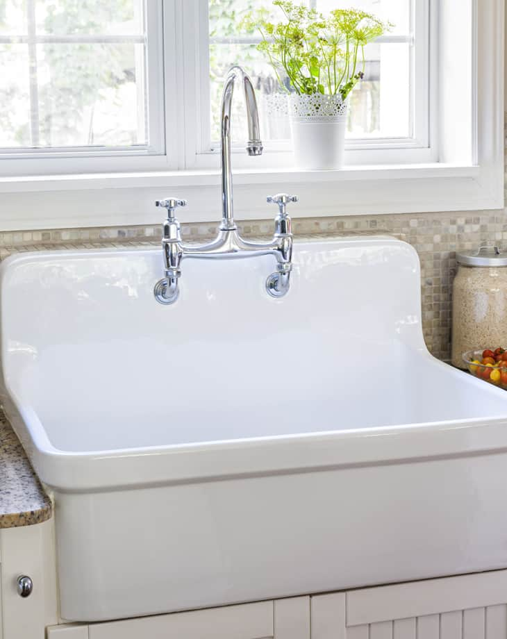 Fixer Upper Style - apron front sink