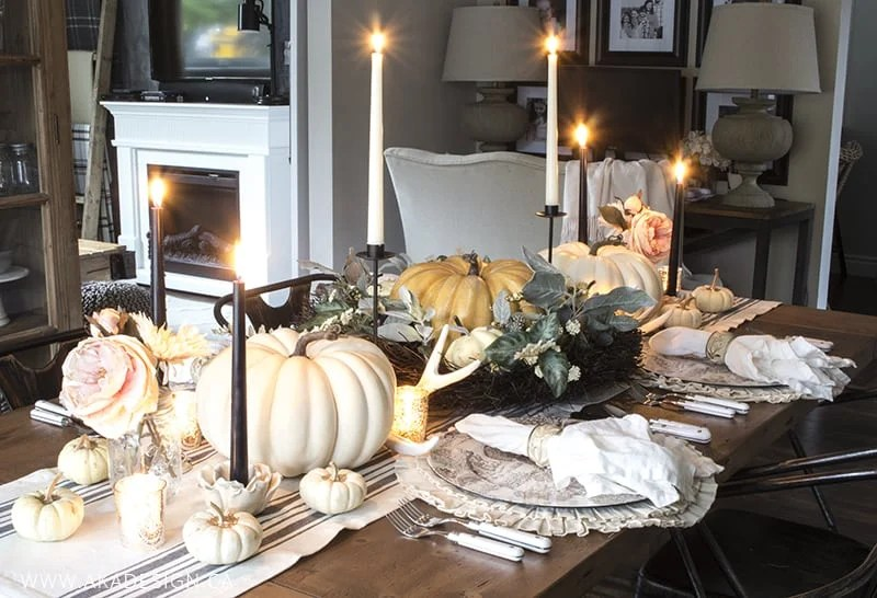 white-and-cream-thanksgiving-table-setting