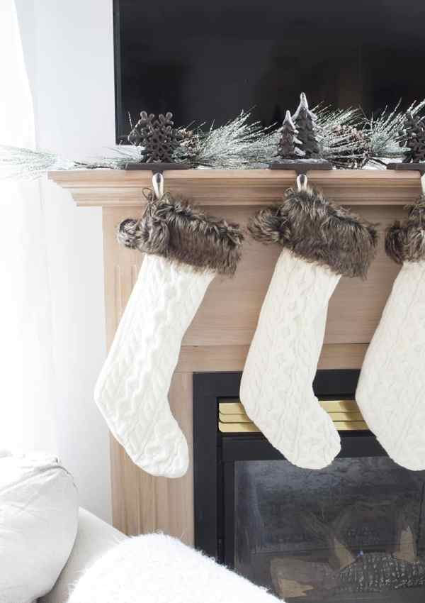 Deck the Halls with Faux Greenery – Make it Merry