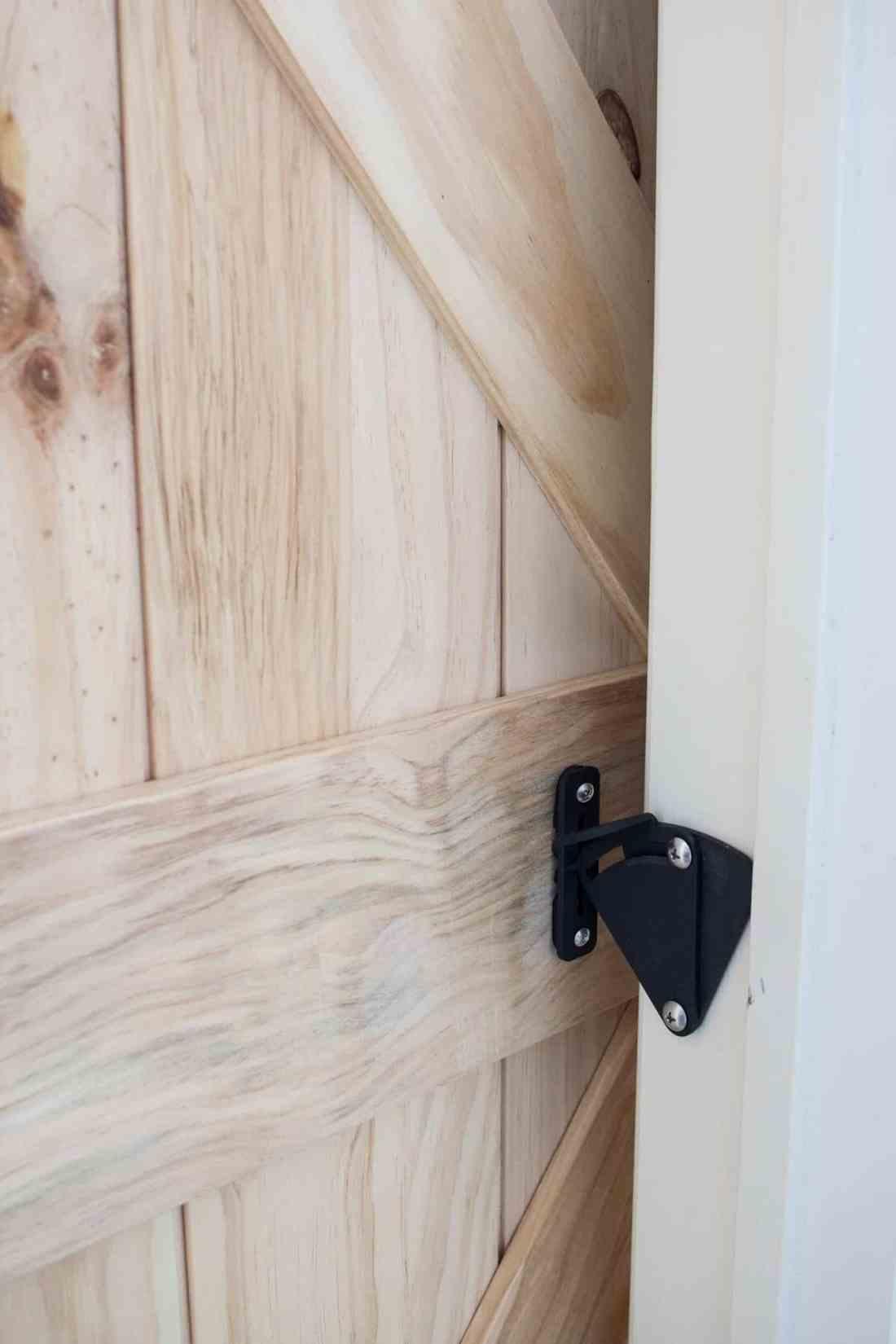 barn-door-privacy-latch