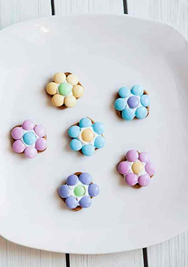Flower Pretzel Bites  – A Fun Spring Snack Idea