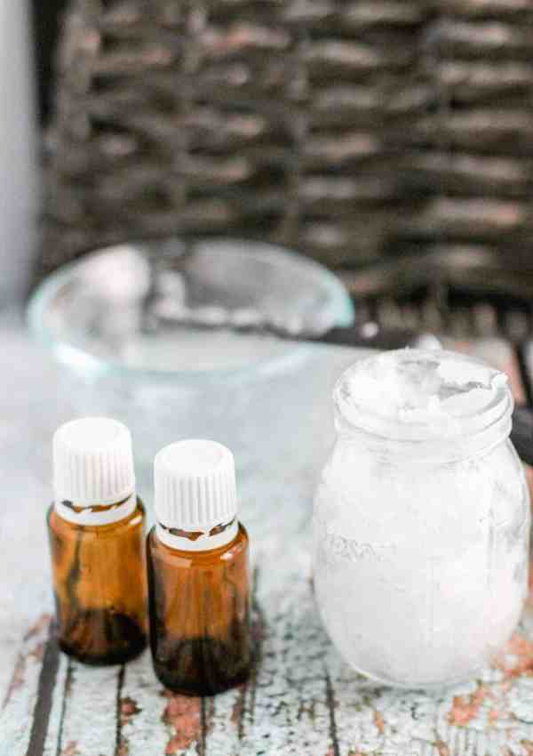 Homemade Vapour Rub with Essential Oils – Only 3 Ingredients!