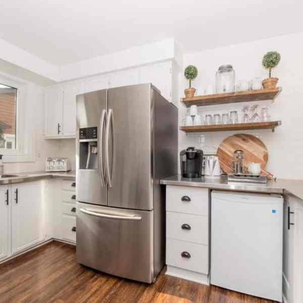 Imperfect White Backsplit Kitchen