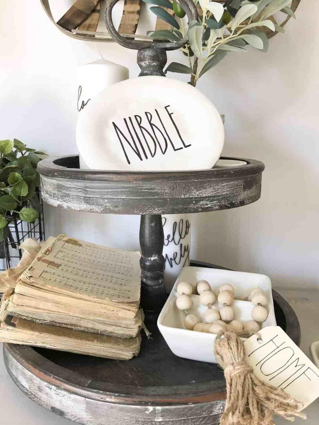 farmhouse console table decor ideas