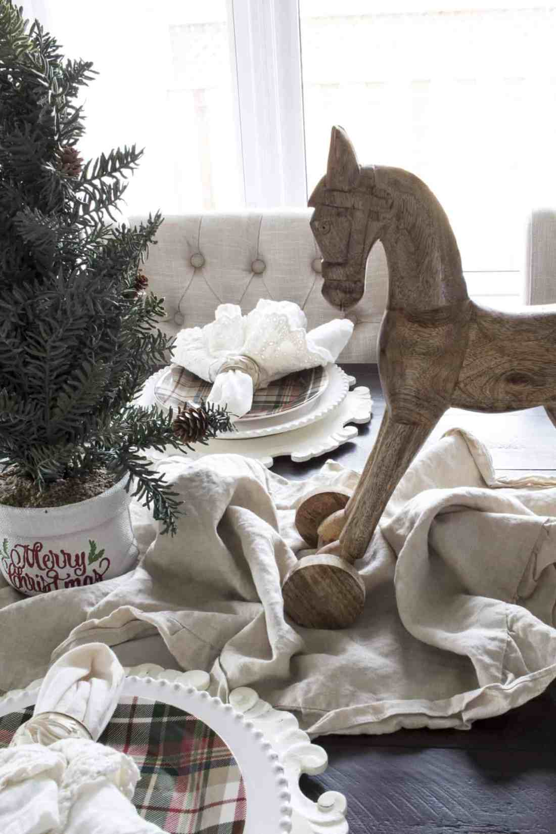 dishes and horse