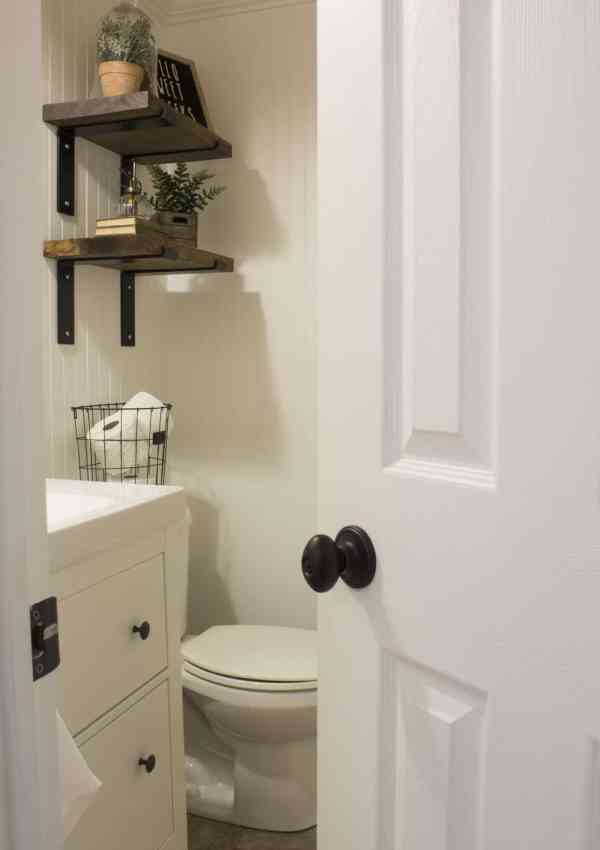 Finally, a Powder Room Makeover We Absolutely Love!