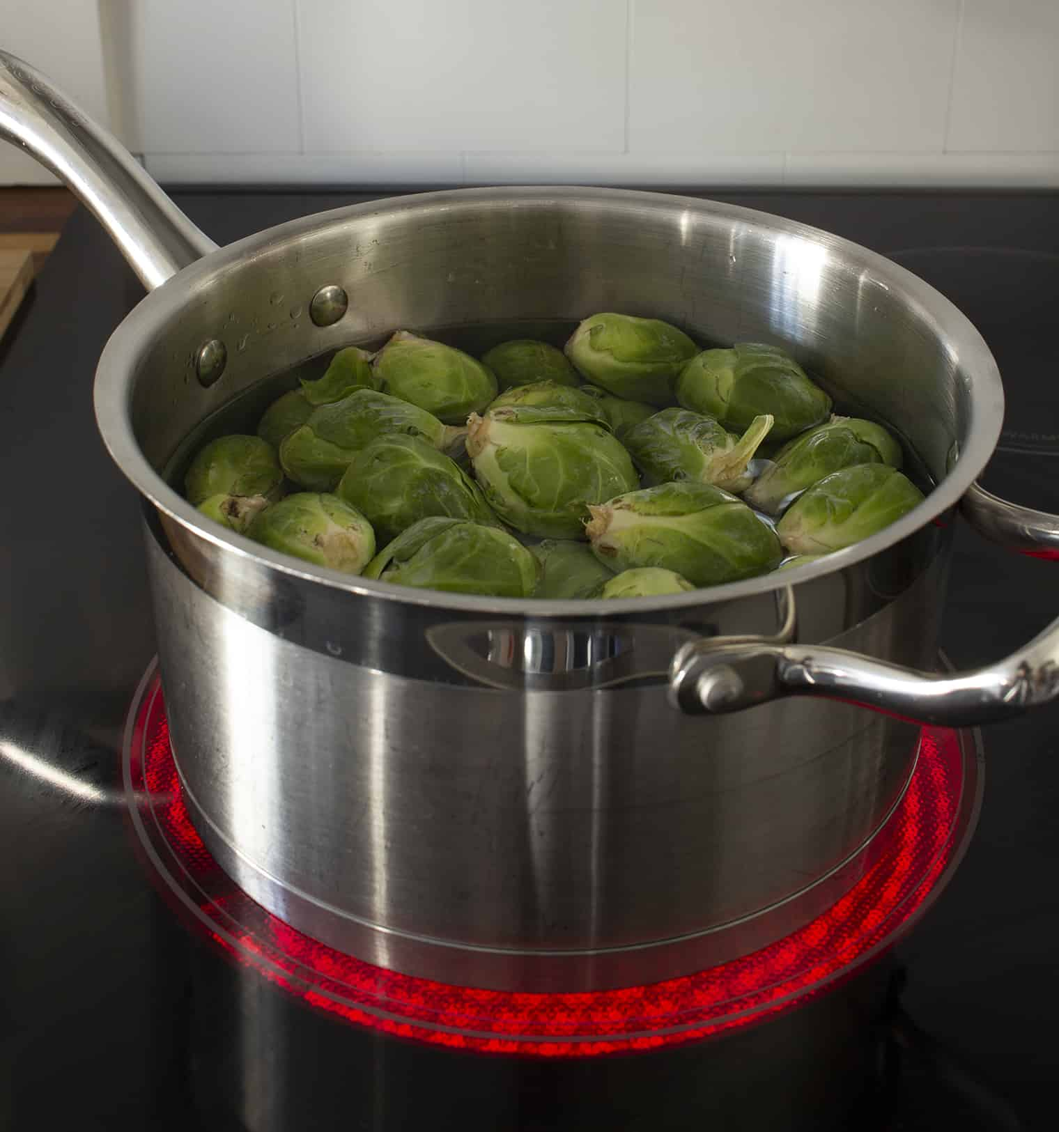 brussel sprouts in pot