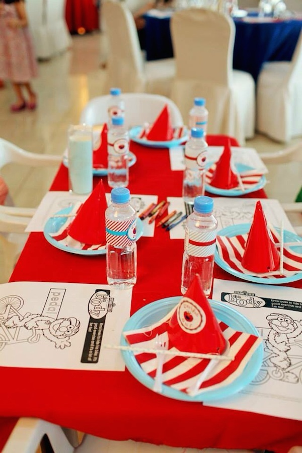 Homemade Parties DIY Elmo Party_Izach15